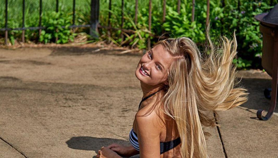 Model: Rachel Swim Rags – Poolside & Studio Photo Shoot