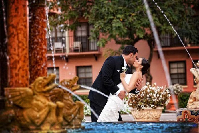 7 Questions to Ask Before Hiring Your Wedding Photographer