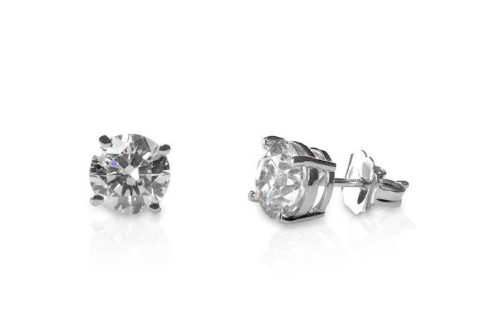 Beautiful Diamond Stud Earrings - California Pretty Magazine